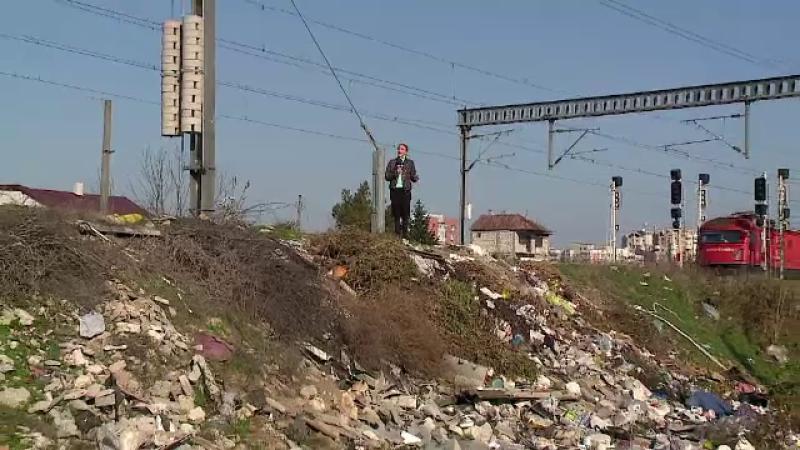 Groapa de gunoi intinsa pe 5 km, la intrarea in unul dintre cele mai mari orase din Romania:
