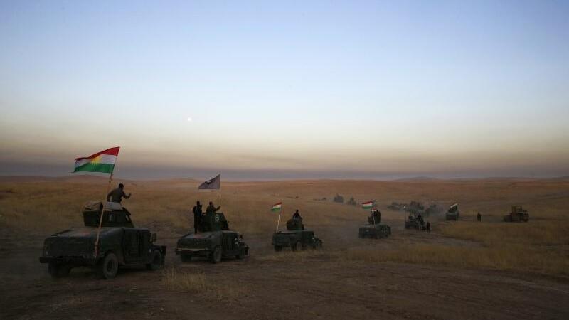 Ofensiva impotriva capitalei Statului Islamic a inceput in Siria. 30.000 de soldati iau cu asalt Rakka