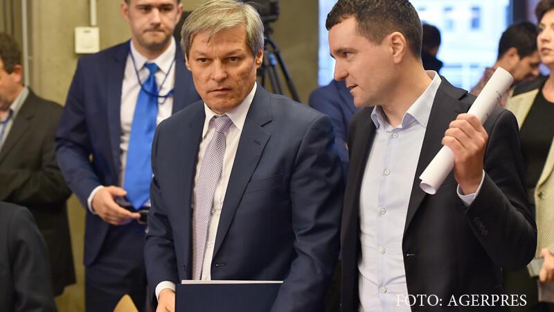 Dacian Ciolos s-a intalnit cu membri ai USR pentru a discuta despre formarea unui ONG. In organizatie vor fi fosti ministri