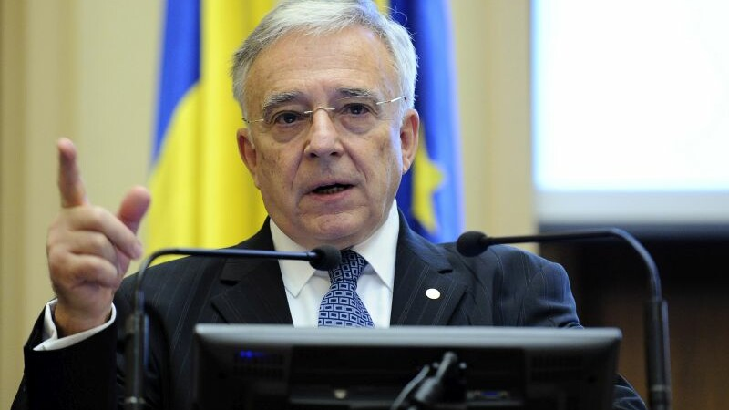 Mugur Isarescu, despre proteste: Exista un impact asupra stabilitatii financiare, se va simti si in cresterea economica