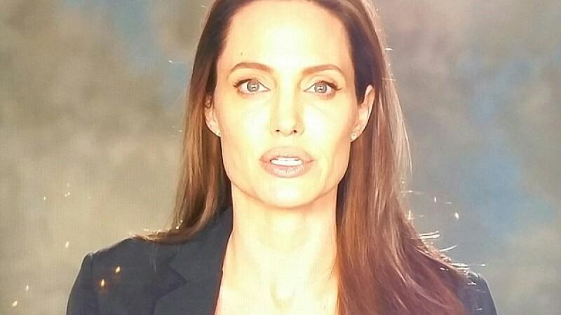 Prima aparitie publica dupa divort. Angelina Jolie s-a intors in lumina reflectoarelor cu un mesaj umanitar puternic