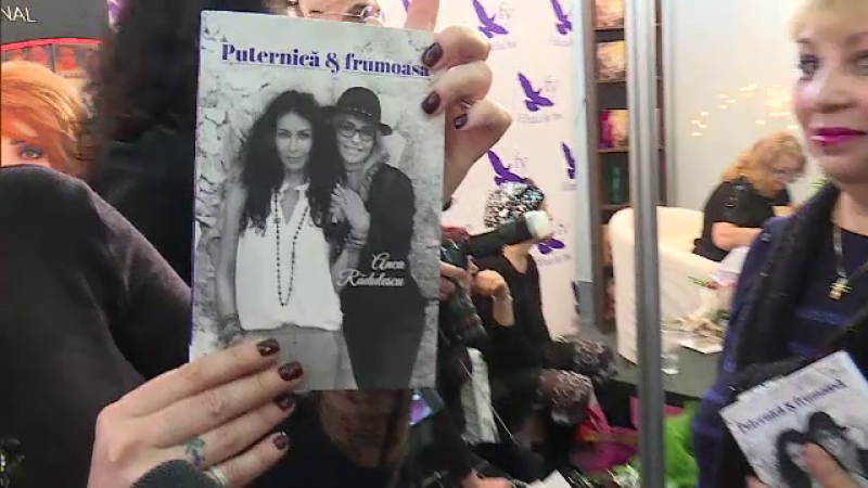 Mihaela Radulescu, pe coperta cartii scrisa de cumnata ei: