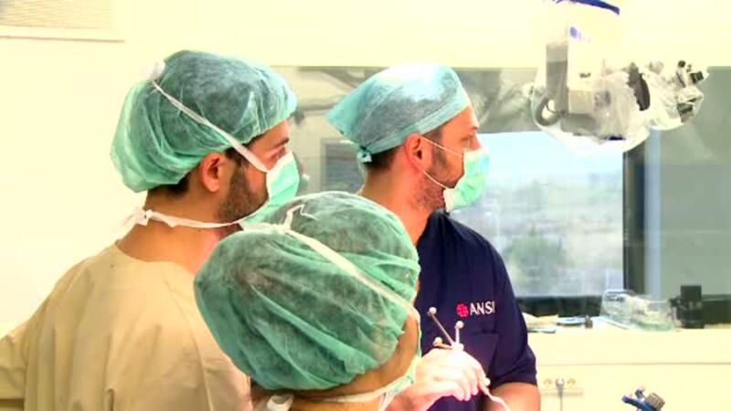 Neurochirurgul care s-a intors din America pentru a salva vieti.