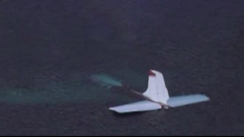 Un pilot a aterizat în iazul de pe un teren de golf din SUA