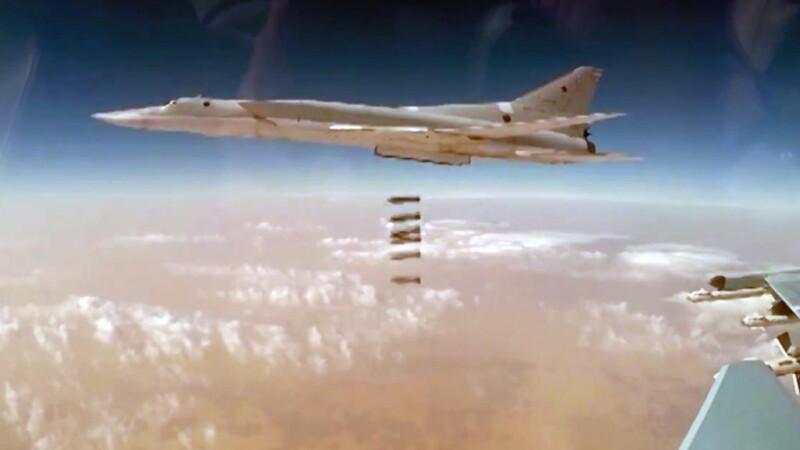 """Rusia susține că are dovezi că SUA au ajutat """"în mod direct"""" militanții ISIS din Siria"""