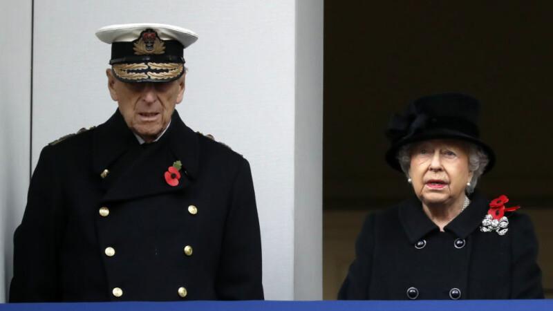 Regina Elisabeta şi prinţul Philip împlinesc 70 de ani de căsătorie