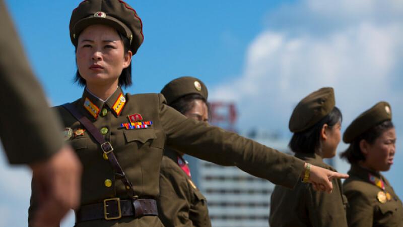 """Mărturia unei femei-militar, în Coreea de Nord: """"Aveam șerpi în duș"""""""