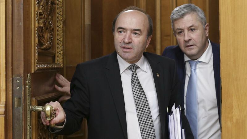 """Oficialii români răspund criticilor SUA. """"Dacă nu în Parlament, atunci unde să avem dezbateri?"""""""