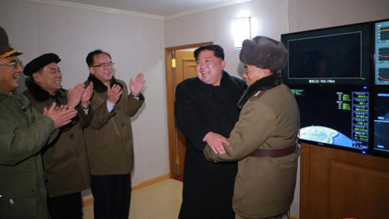 Coreea de Nord a publicat peste 40 de fotografii de la lansarea rachetei intercontinentale Hwasong-15. FOTO