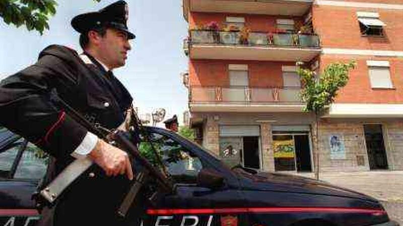 Un roman a fost arestat in Italia dupa ce si-a stropit sotia si cumnata cu acid. Care a fost motivul conflictului