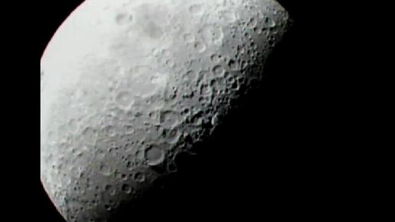 Exista apa pe Luna! Dovada au obtinut-o cercetatorii de la NASA