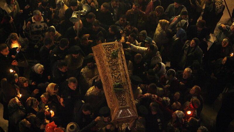 Pelerinaj cu sacrificiu la moastele Sfantului Dimitrie in Capitala