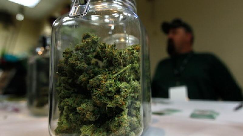 Vis sau realitate? Fa turul celui mai mare magazin de marijuana din lume!