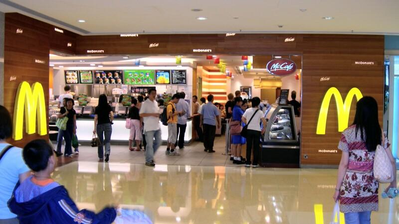 Descoperire macabra intr-un fast-food din Hong Kong. Cum a fost gasita o femeie, la 24 de ore de cand a intrat in restaurant