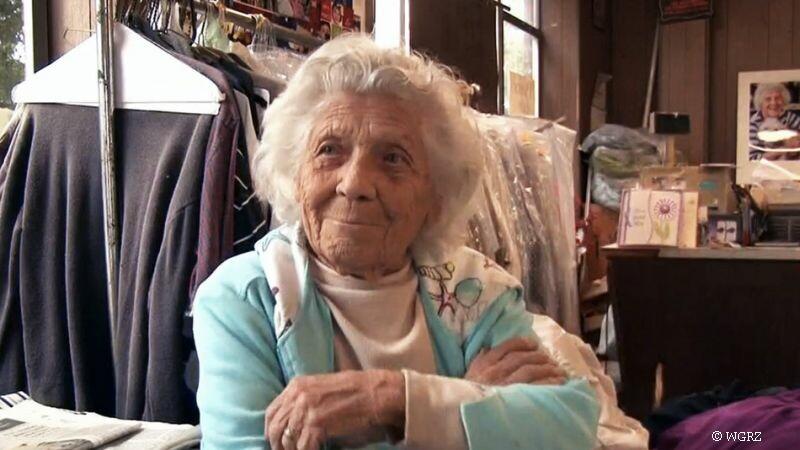Are 100 de ani si lucreaza 11 ore pe zi, 6 zile pe saptamana. Motivul pentru care aceasta femeie refuza sa iasa la pensie