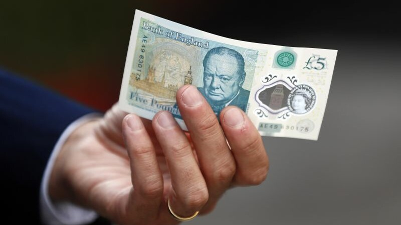 Noua bancnota de cinci lire, mai valoroasa decat pare. De ce a oferit cineva 65.000 de lire pe una