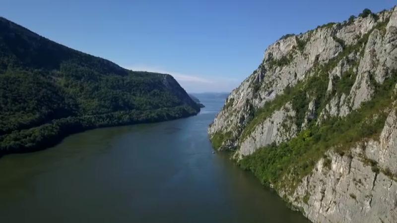 Romania arunca bani, oportunitati si timp pretios pe apa Dunarii. Lectia primita de la sarbi