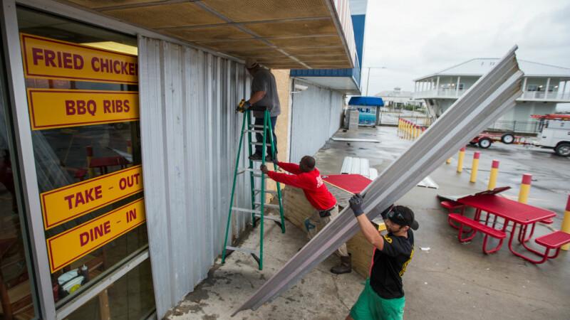 Uraganul Nate, care a făcut 25 de victime, a fost retrogradat