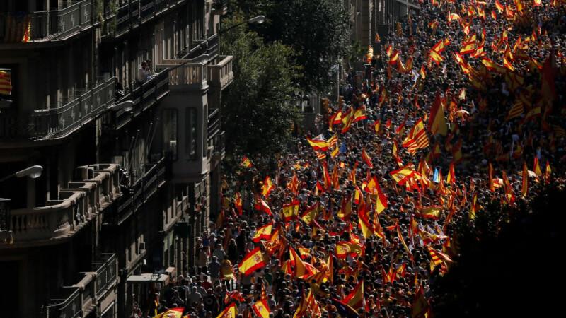 950.000 de persoane, marș împotriva independenței Cataloniei, la Barcelona. VIDEO