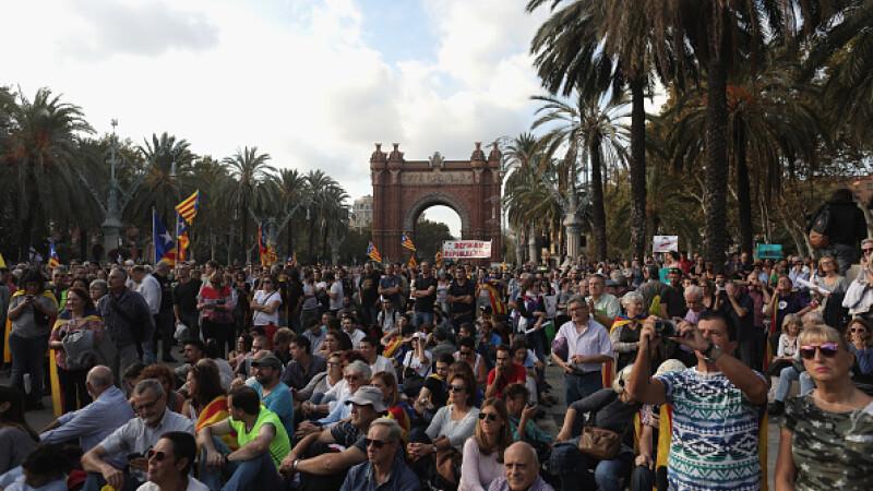 Reacții după ce liderul catalan a suspendat independența. Criticile Guvernului spaniol
