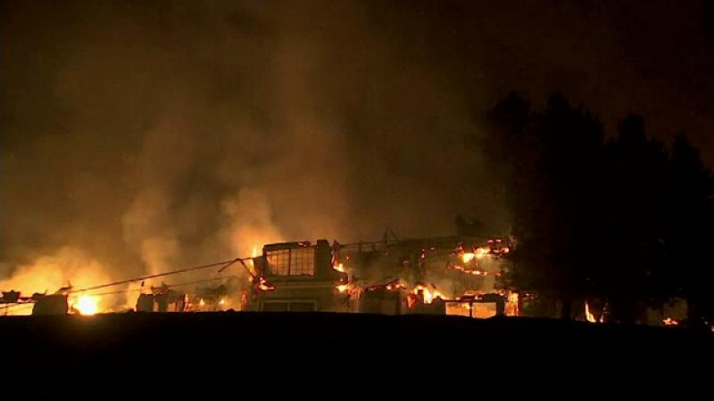 """Incendiu în California: 17 morți, 150 de dispăruți. S-a decretat """"stare de catastrofă naturală"""""""