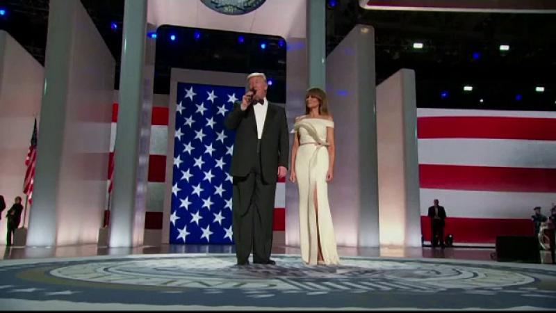 Melania Trump donează rochia purtată la ceremonia de învestire Muzeului Smithsonian