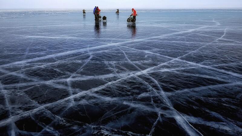 Ce se întâmplă în cel mai adânc lac din lume? Cercetătorii sunt îngrijorați