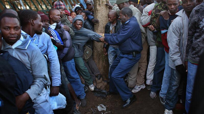 50 pe candidaţi se bat pe postul de călău oficial, în Zimbabwe