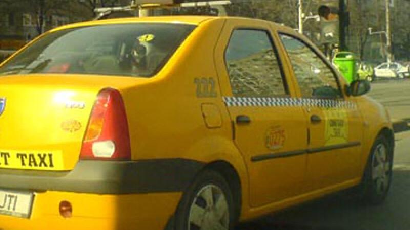 Un taximetrist si-a accidentat colega de serviciu pe trecerea de pietoni