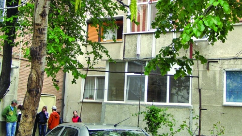 Crima terifianta in Bucuresti. Tanara insarcinata, ucisa fara mila