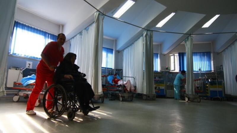Sanatate la 15°. Pacientii unui spital din Eforie dardaie in saloane