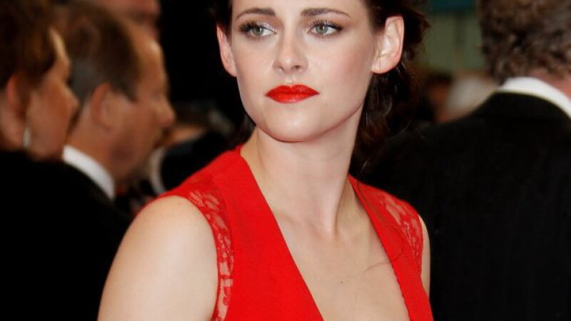 Kristen Stewart are probleme de sanatate. A inceput sa cheleasca. Vezi cum a ajuns sa arate