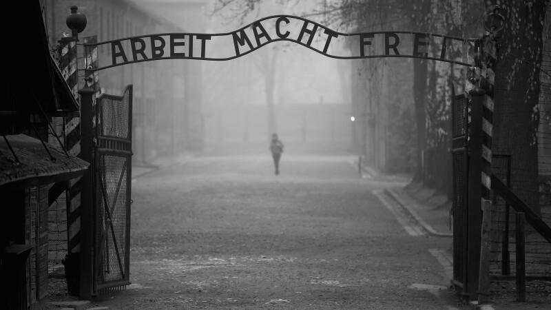 Turistii evrei, socati de ce au gasit in fostul lagar de concentrare Auschwitz, din Polonia.