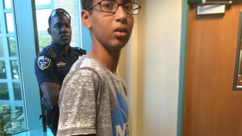 Mesajele trimise de Barack Obama si Mark Zuckerberg elevului arestat pentru ca a adus la scoala un ceas construit de el