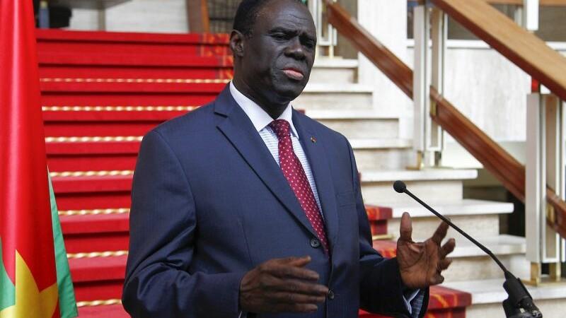 Presedintele si premierul Burkinei Faso, arestati de soldati. Mai multi demonstranti au cerut in strada sa fie eliberati