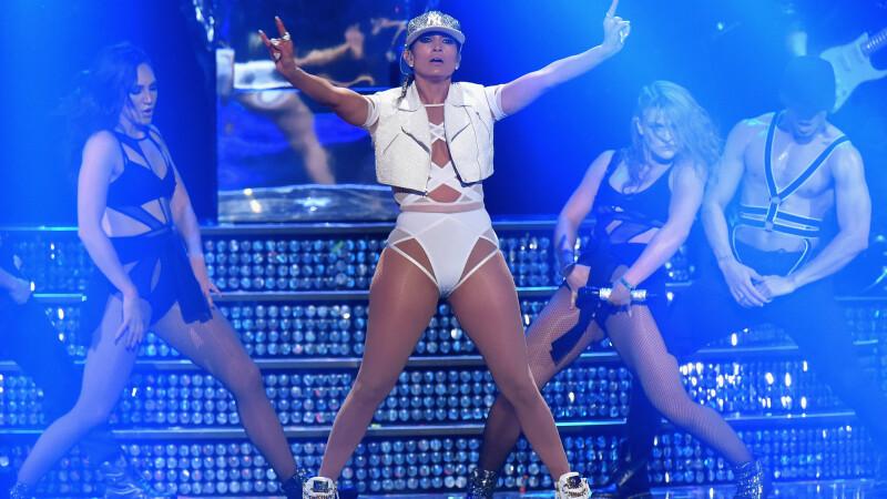 Jennifer Lopez incearca sa impiedice difuzarea unui videoclip porno, in care apare alaturi de fostul ei sot Ojani Noa