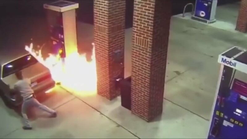 "Motivul pentru care un sofer din Statele Unite era sa arunce in aer o benzinarie. ""E un paianjen acolo?"""