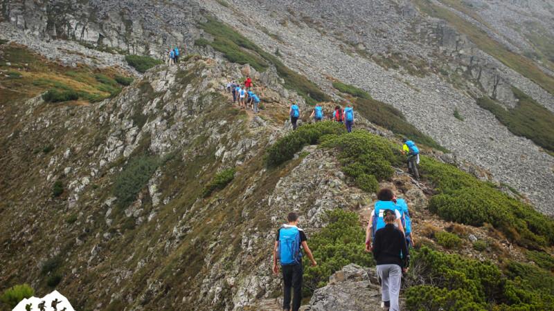 (P) Regulile secrete ale mersului pe munte. Singura scoala din Romania unde pot fi invatate gratuit