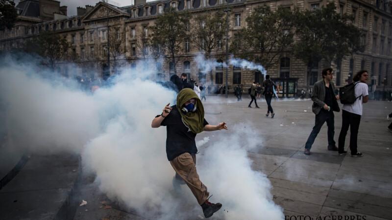 Lupte de strada in Paris, din cauza reformei Codului Muncii. Manifestantii s-au razbunat pe fortele de ordine