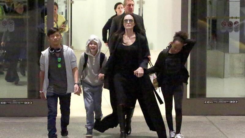 Angelina Jolie si-a concediat fratele pe care l-a angajat dupa ce s-a despartit de Brad Pitt.