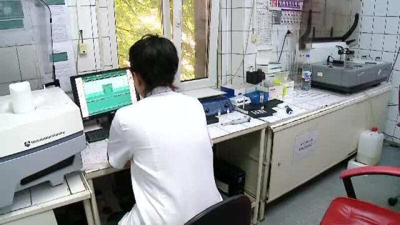 Părinții sunt păcăliți de unitățile de învățământ să facă teste medicale copiilor