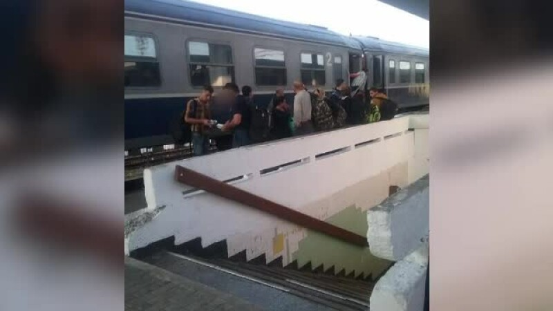 Grup de migranţi, prinşi într-un tren în gara Timişoara