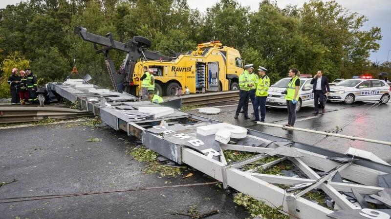 Furtuna care a lovit vestul țării: 8 morți, 137 de răniți