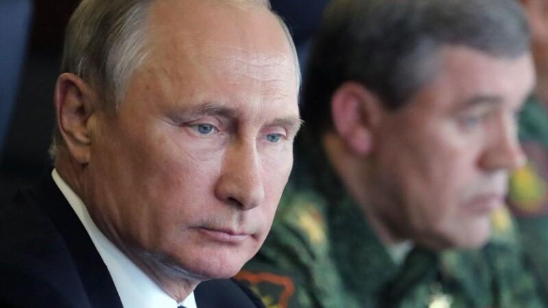 Sub presiunea războiului hibrid dus de Putin, Internetul va rămâne doar o amintire