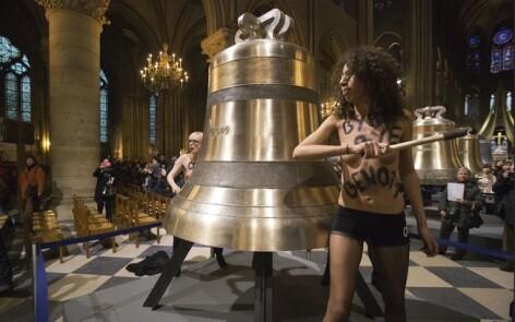 Femen, Notre-Dame
