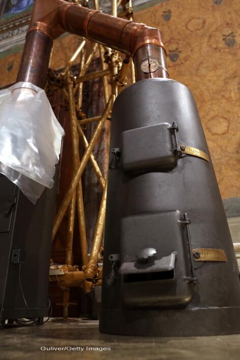 cuptorul care scoate fum, Vatican, pregatiri Conclav