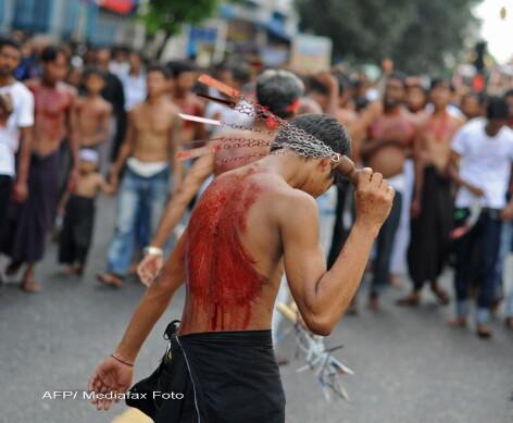indieni musulmani siiti se autoflageleaza