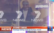 Teroare in Sydney. Barbatul care a luat zeci de ostatici anunta ca a pus PATRU bombe prin oras. Politia l-a identificat