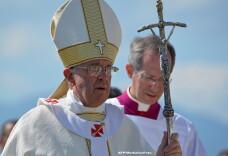 Cardinalii nu sunt de acord cu vederile progresiste ale Papei Francisc. Lasati-l pe Dumnezeu sa va surprinda