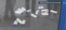 Metoda prin care doi barbati au furat zeci de sticle de sampon dintr-un supermarket din Dej